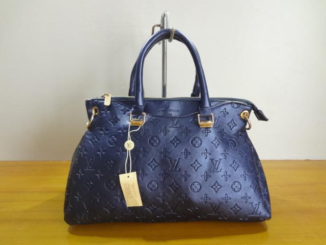 56b16519503cd sac main cuir turquoise, vente privee sac a main louis vuitton