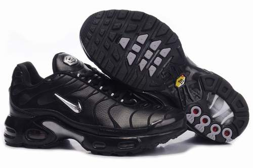 chaussure nike chez foot locker